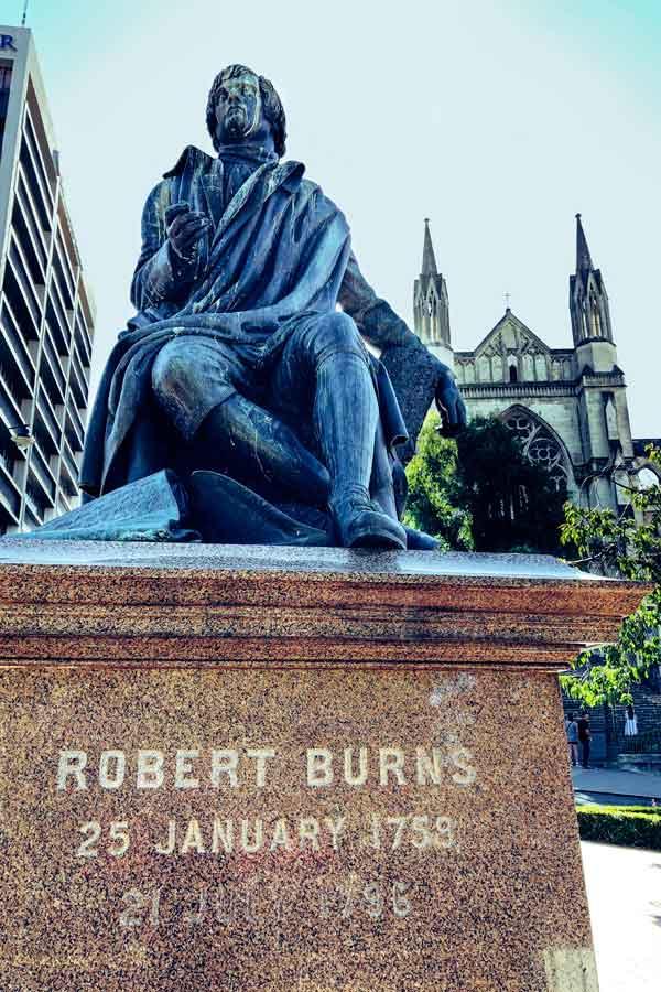 statue of Scottish poet Robert Burns in Dunedin, New Zealand