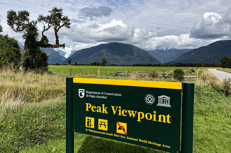 Sign of Peak Viewpoint with Fox Glacier visible in the background