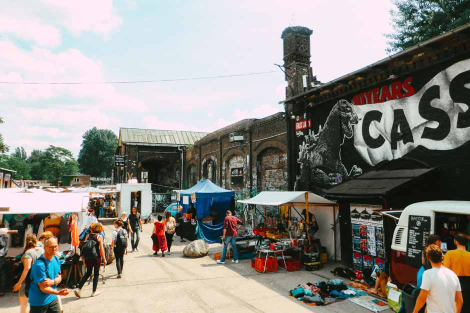 stalls selling second-hand clothing and items in Raw Gelände