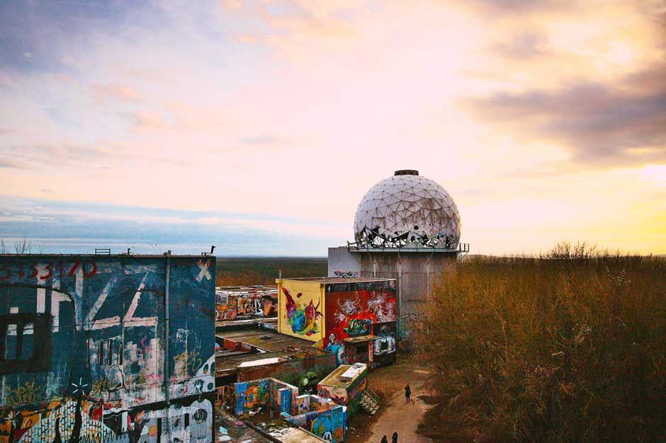 overview shot of the abanoned Cold War listening station Teufelsberg