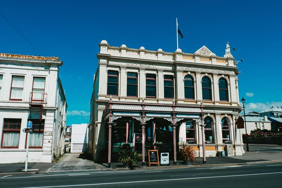 streetview of Oamaru, the beautiful historic steampunk town in New Zealand